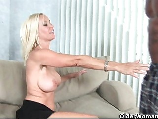 Beamy titted milf gets facial