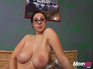 Big Titted Gianna Michaels gives a hard handjob to make him cum