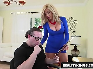 RealityKings - Chunky Tits Boss - The Blow Pursuit