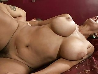 Big Titty Cougar Pussy Pounding