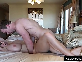 Hot MILF Kelly gets cum on huge interior and face