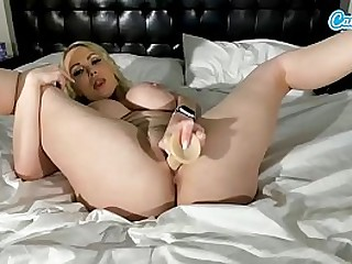 Nikki Benz Big Tits Big Ass Masturbates on webcam